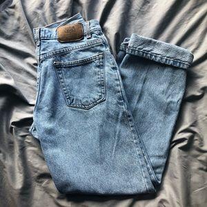 vtg high rise mom jeans!!